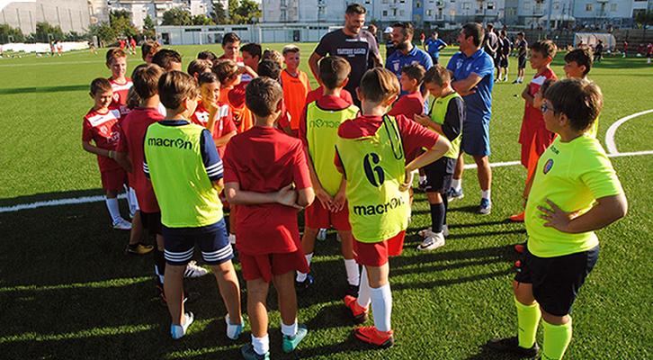 Scuole calcio. Un business sui sogni di bambini e genitori