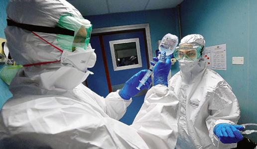 Coronavirus: due infermieri del reparto di Malattie Infettive dell'ospedale S.Martino di Genova