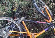 I resti della bicicletta del ciclista ucciso a via Boccea in località Valle Santa