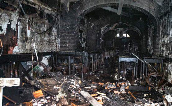 Incendio in via Mario de' Fiori. Distrutto giovedì 18 giugno un noto ristorante