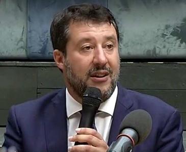 Processo Gregoretti. Dopo l'udeinza un Matteo Salvini sorridente nella conferenza stampa