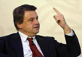 L'ex ministro Carlo Calenda protagonista della fallita trattativa contro i licenziamenti Almaviva del 2017