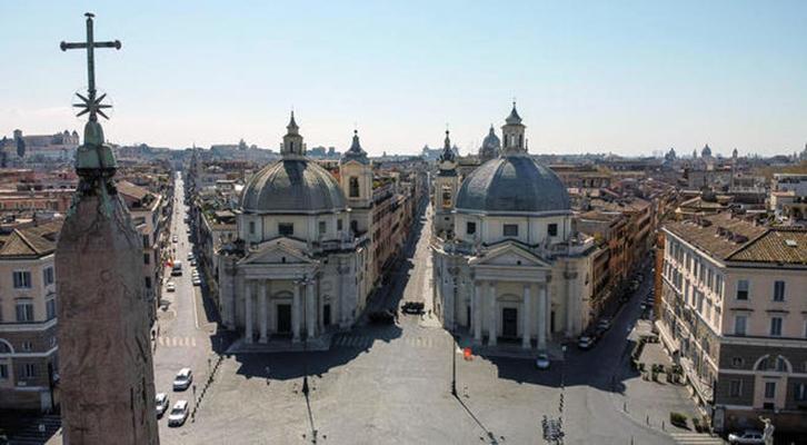 Dopo il Dpcm Conte l'Italia chiude tra accuse e proteste. Roma deserta