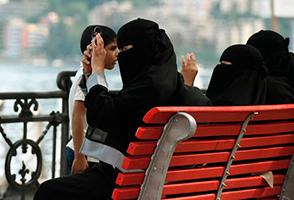 La Svizzera vieta l'uso di burqa e niqab nei luoghi pubblici