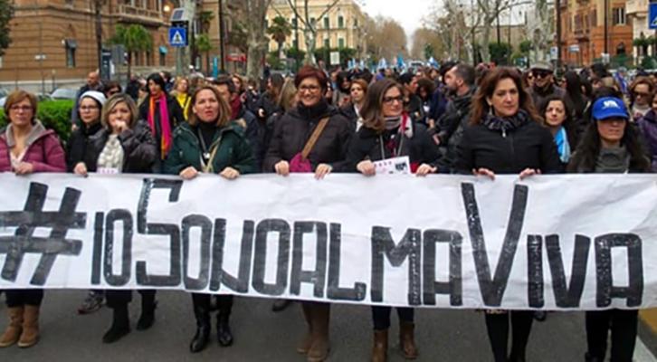 Almaviva Contact. Trasferimenti punitivi da Milano a Rende