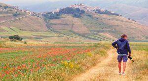 Pierluigi Orler ci mostra la bellezza di Castelluccio di Norcia
