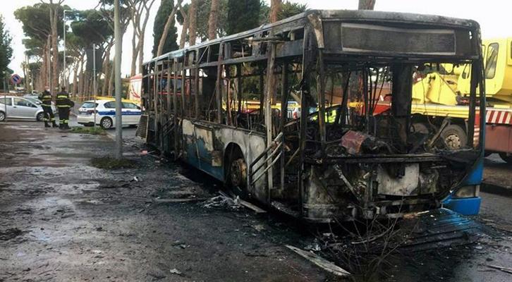 Per i Flambus dei mezzi Atac <br>dodici indagati dalla Procura