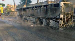 Flambus. 2 mezzi Atac a fuoco nel fine settimana