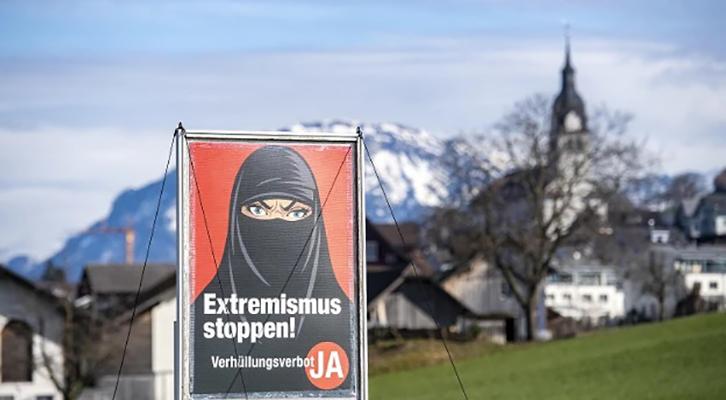 Gli elettori mettono al bando <br>burqa e niqab