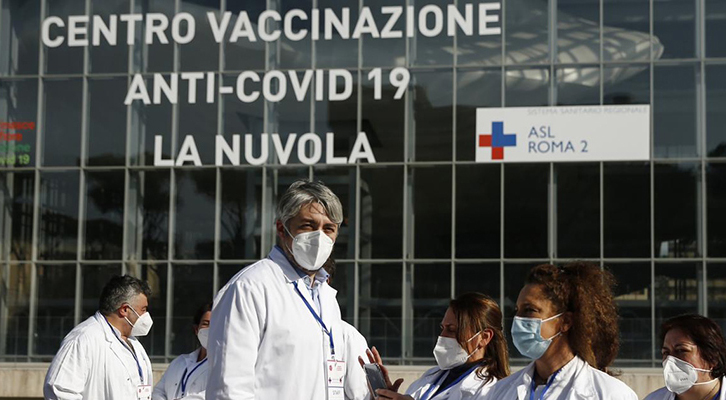 «Vaccinate chi passa», <br>firmato Figliulo