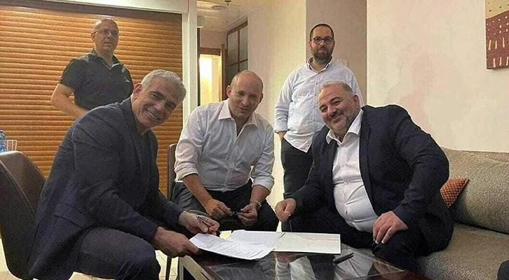Dopo dodici anni <br>si chiude l'era Netanyahu